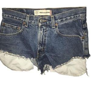 Levi's Relaxed Fit Cutoffs Size 28